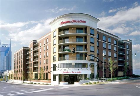 best price on hton inn and suites nashville downtown in