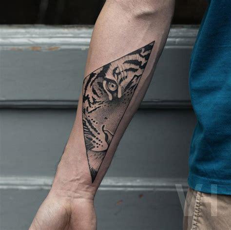 shockingly epic tiger tattoos tattooblend