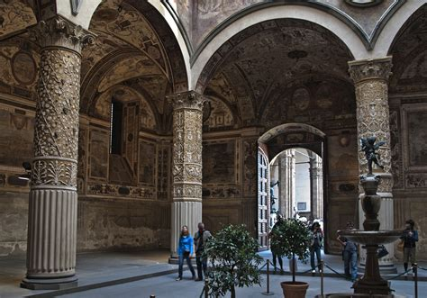 Construction on the solid fortress began in 1299 above the ruins of the destroyed uberti ghibelline towers, testimony of the final victory of the guelph faction. Palazzo Vecchio - City Hall in Florence - Thousand Wonders