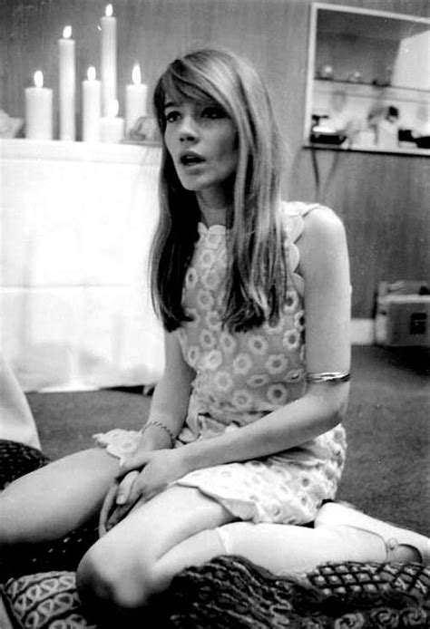 francoise hardy formidable mag  style icon