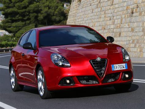 Alfa Romeo Giulietta Quadrifoglio Verde  2011, 2012, 2013