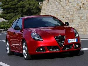 Alfa Romeo Giuletta : alfa romeo giulietta quadrifoglio verde 2011 2012 2013 2014 2015 2016 2017 autoevolution ~ Medecine-chirurgie-esthetiques.com Avis de Voitures