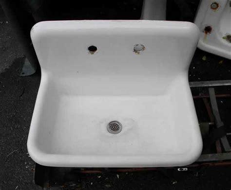 vintage bathroom sinks  sale  web