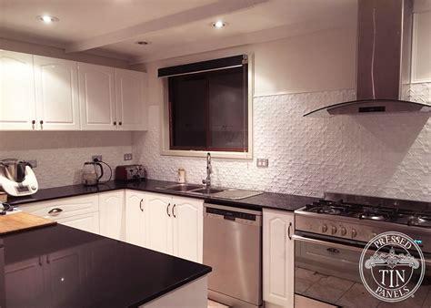 original classic white kitchen splashback