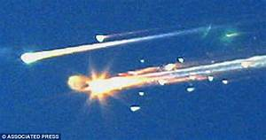 Disaster: Debris from the space shuttle Columbia streaks ...