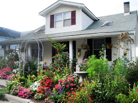 cottage landscaping front yard cottage garden ideas photograph cottage gardens