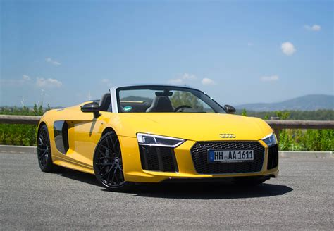 Audi Car : Rent Audi R8 Spyder