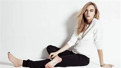 Barefoot Cara Delevingne Celebrity Blonde Leg Supermodel