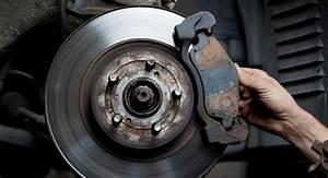 8 Warning Signs Of Brake Problems