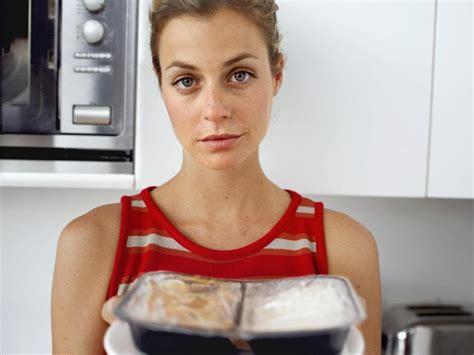 cuisiner au micro onde cuisiner au micro ondes quel impact sur la santé