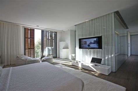 Bold Cosmopolitan House In Instanbul by Bold Cosmopolitan House In Istanbul White House Design