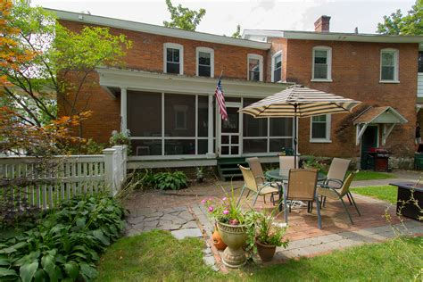 seasonal rental  saratoga springs ny