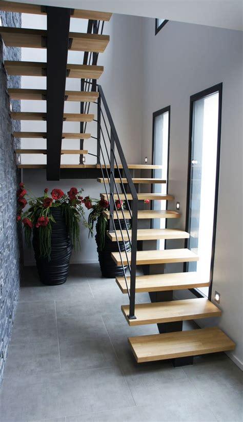 les 25 meilleures id 233 es de la cat 233 gorie escalier 2 4 tournant sur limon d escalier