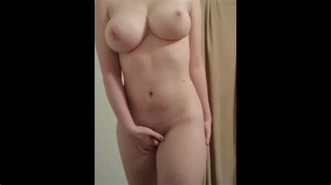 ilianaoftroy from reddit showing big tits amateur