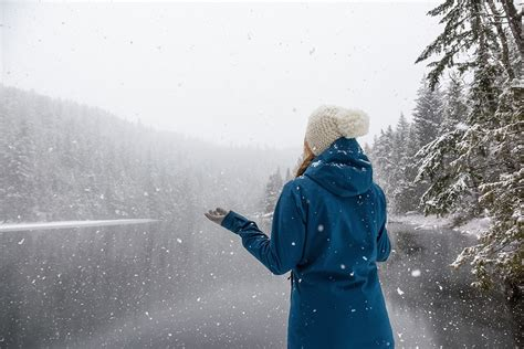 Bundle up: Snow, freezing temperatures expected for ...