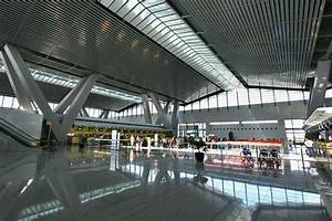 Restaurant ceiling at NAIA Terminal 3 collapses ...