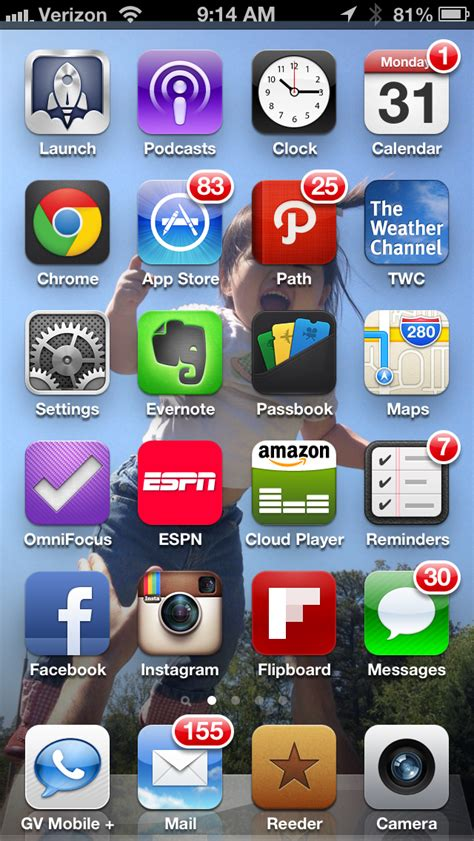 how to keep iphone screen on what s on my iphone homescreen and second screen begin