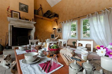 chambre d hote route des vins bourgogne bourgogne chambres d 39 hotes beaune piscine chambre