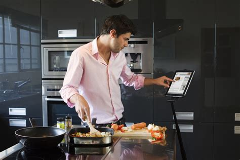 cuisine chef tv z3 stand lets you balance your tablet anywhere