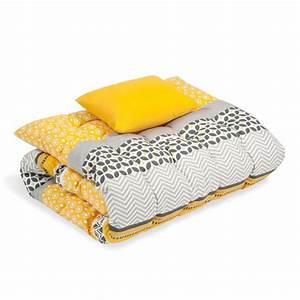 Matelas De Bain De Soleil : matelas bain de soleil en coton jaune gris 60 x 170 cm sunny maisons du monde ~ Teatrodelosmanantiales.com Idées de Décoration