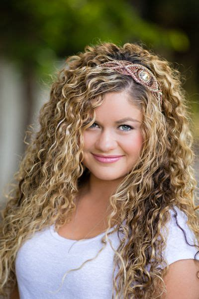 11 quick easy headband hairstyles for naturally curly