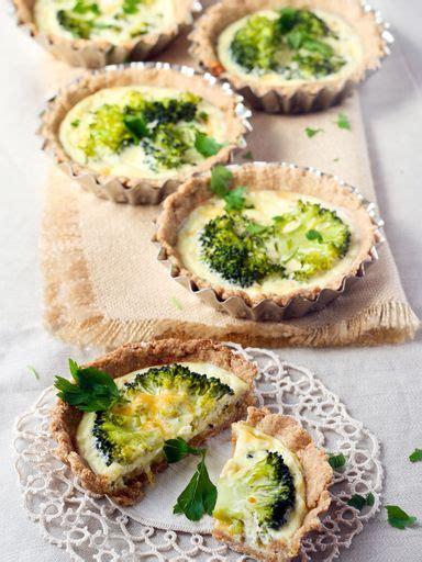 cuisiner le brocolis marmiton tarte aux brocolis à la moutarde recette de tarte aux