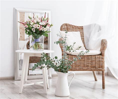 Disporre di fiori secchi per comporre noi stessi delle decorazioni è molto semplice. Arredare la casa con piante e fiori: quali scegliere e dove acquistarli - VLifestyle