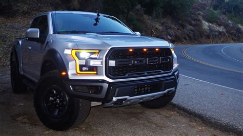 ford svt raptor review good power  gas mileage