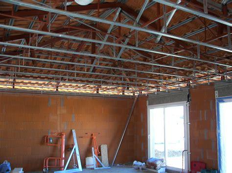 toiture en cours de finition 224 cabestany sur la villa d architecte pyr 233 n 233 es orientales 66