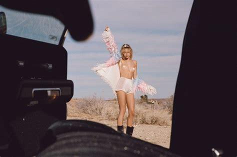 Cora Keegan Sexy Topless Photos Thefappening