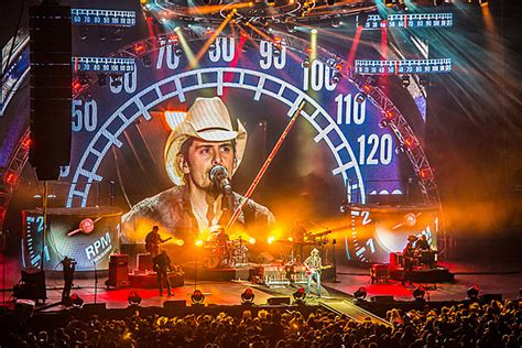 Brad Paisley Brings Country Nation Tour To Toc Fest Photos
