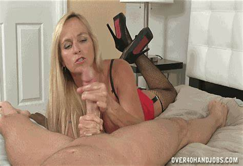 Mature And Stepmom Attending Gently Dick Cumload On Face