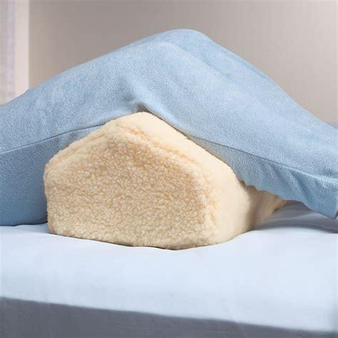 leg wedge pillow spine eez leg lifting pillow wedge leg pillow walter