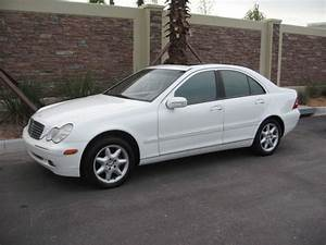 Mercedes Classe C 2002 : 2002 mercedes benz c class photos informations articles ~ Gottalentnigeria.com Avis de Voitures