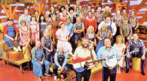 Heres What 8 Members Of The Hee Haw Cast Did After The