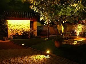 Lumiere Jardin Solaire : comment mettre son jardin en lumi re ~ Premium-room.com Idées de Décoration