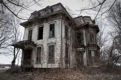 haunted house 13 spooky looking houses that inspired ghost stories