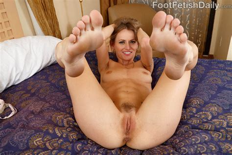 Natasha Starr Fucks And Teases Cock With Her Feet Of