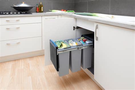 Как организовать хранения на кухне мусора запасов продуктов и прочих необходимых мелочей часть 2