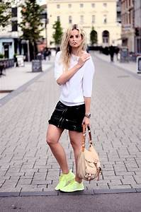 55 Incredible Spring Looks with Sneakers to Get Inspired