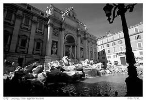 Black and White Picture/Photo: Trevi Fountain. Rome, Lazio ...