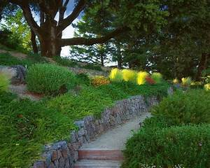 Decoration Jardin Pierre : jardin en pente 33 id es d 39 am nagement v g tal ~ Dode.kayakingforconservation.com Idées de Décoration