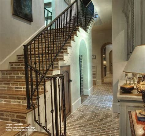 TG interiors: Brick and Home Decor     Stairways