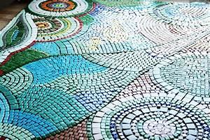 Mosaik Selber Fliesen Auf Altem Tisch : das monster projekt der mosaik tisch a red apple ~ Watch28wear.com Haus und Dekorationen