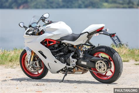 Sport Vs Supersport by Review Ducati Supersport S Proper Sports Tourer Paul