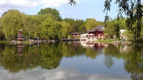 """Ausflugstipp China In Berlin Dampfbrot Im """"garten Des"""