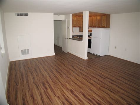 Vinyl Plank Floor Cleaning by King And 3 4 King And Apartments