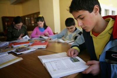 Los adolescentes:sus desafios y oportunidades en su