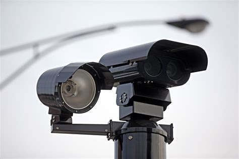chicago red light camera tickets illinois house approves red light camera ban outside