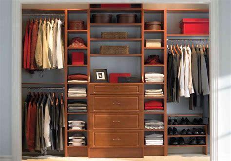 Walk In Closet Furniture by 19 Walk In Closet Furniture Designs To Prep You Up In No Time